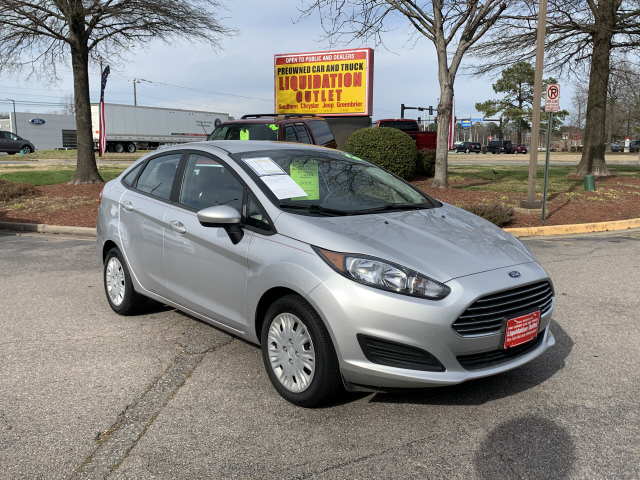 Pre-Owned 2016 Ford Fiesta S